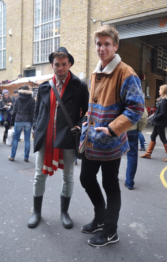 Made in London, Street style, Comfortable style, couple, Aztec pattern, hat, sneakers, gumboots, jacket, Brick Lane, Sipatlfield market, trends, winter, fashion blogger, UK, PimPamMate