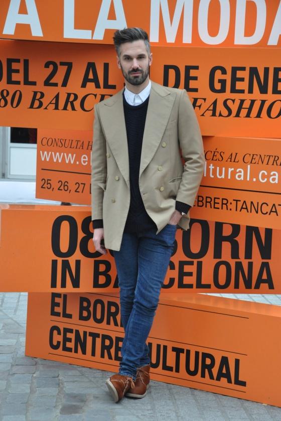 Fitting room, 080 Born, 080 Barcelona Fashion, Winter edition, 2014, Mercat del Born, men trend, Barcelona, fashion bloger, Carles, oversize sweater, skinny jeans, Topman, Primark, Vintage coat, Heritage, white shirt, pony hair booties, PimPamMate
